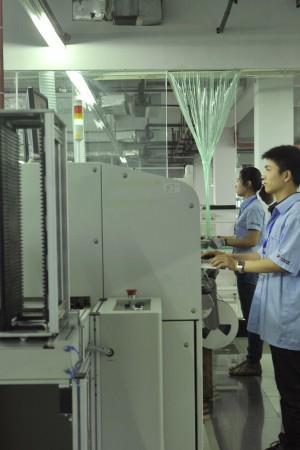 宇通仪表生产设备图