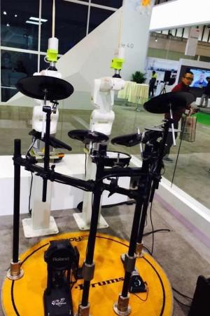 库卡KUKA工业机器人惊艳世界智能制造大会