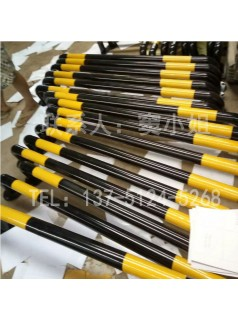 防撞U型护栏黄黑相间醒目厂家供应可定制一次成型美观